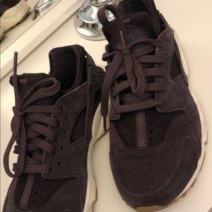 Purple Nike Huaraches